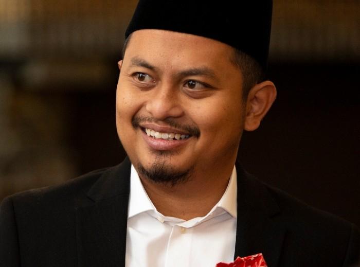 Ia menyarankan pemerintah Indonesia segera menyelesaikan RUU PDP agar setiap kasus pembukaan data pribadi bisa diproses secara hukum.