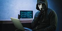 Hacker Berjuluk Hacker_R_US Divonis 8 Tahun Penjara