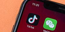Trump Resmi Larang Perusahaan AS Transaksi dengan Induk TikTok dan WeChat
